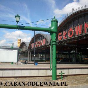 Zabytkowe żeliwne pompy do nalewania wody do parowozów na Dworcu Głównym we Wrocławiu 2014 rok